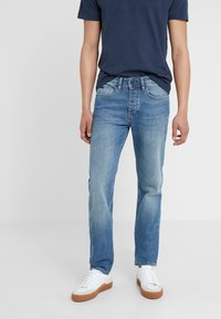 BOSS - TABER - Jeans Tapered Fit - bright blue - 0