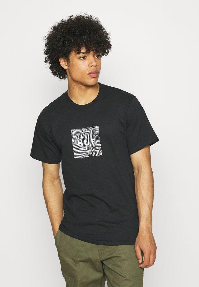 FEELS TEE - Print T-shirt - black