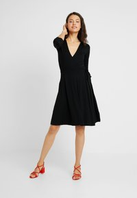 Dorothy Perkins Tall - WRAP DRESS - Jersey dress - black - 0