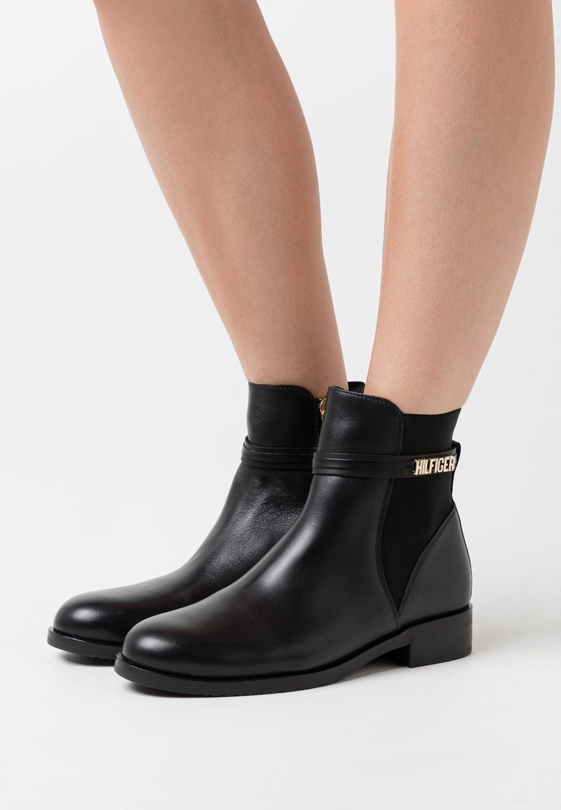 Tommy Hilfiger - BLOCK BRANDING FLAT BOOT - Classic ankle boots - black