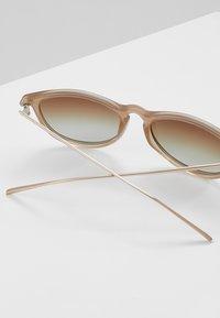 Pilgrim - SUNGLASSES VANILLE - Sunglasses - grey - 3