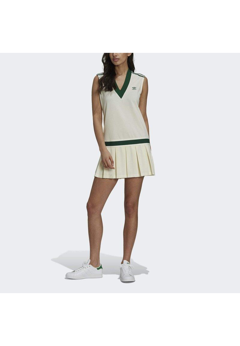 adidas Originals - TENNIS LUXE DRESS ORIGINALS - Blousejurk - off white