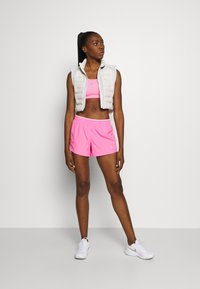 Nike Performance - kurze Sporthose - pink glow/pink rise/pink foam/wolf grey - 1