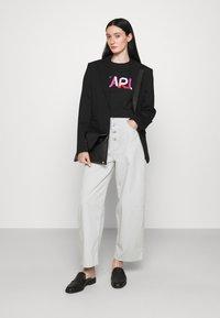 KARL LAGERFELD - STRIPE LOGO - T-Shirt print - black - 1