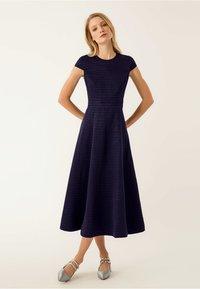 IVY & OAK - Maxi dress - navy blue - 0