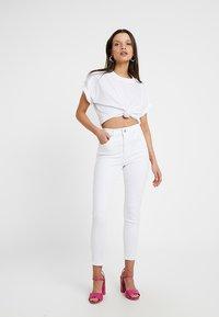 Topshop Petite - NEW WASH JAMIE - Jeans Skinny Fit - white - 1