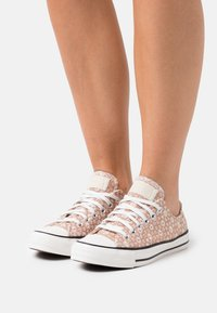 Converse - CHUCK TAYLOR ALL STAR - Trainers - beige/natural ivory/vintage white - 0
