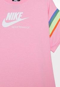Nike Sportswear - HERITAGE DRESS - Vestito estivo - pink/white - 2