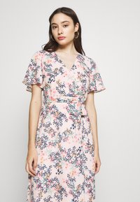 Esprit Collection Petite - FLUENT - Vapaa-ajan mekko - pastel pink - 3