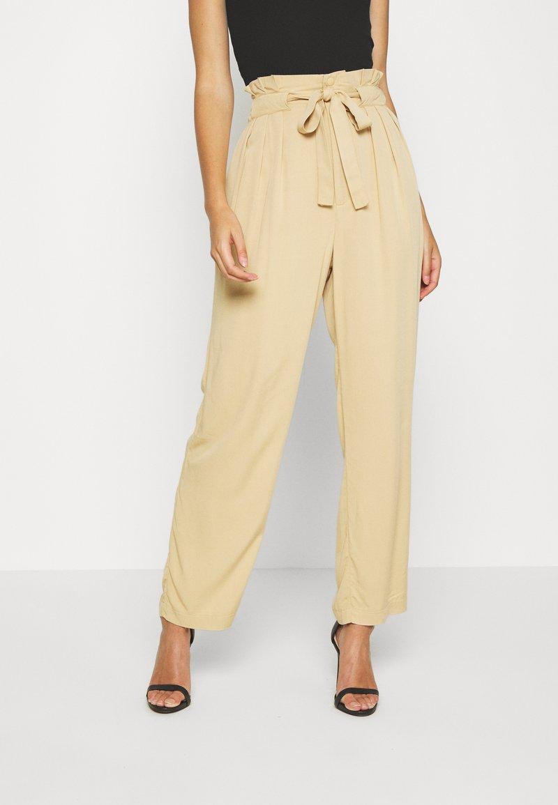 Moss Copenhagen - LIELLE PANTS - Trousers - croissant
