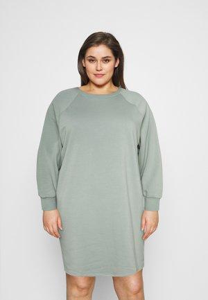 NMLUPA DRESS CURVE - Denní šaty - slate gray