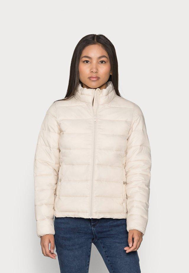 ONLSANDIE QUILTED JACKET - Light jacket - tapioca