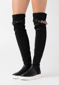 TWINSET - STIVALE ZEPPA CON LOGO LETTERING - Platform ankle boots - nero - 0