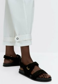 Uterqüe - Trousers - white - 5