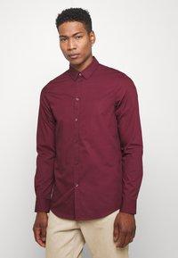 Pier One - Formální košile - bordeaux - 0