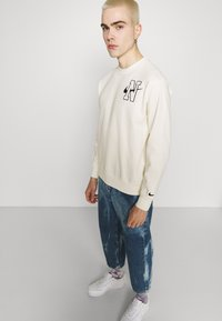 Nike Sportswear - RETRO CREW - Sweatshirt - sail - 3
