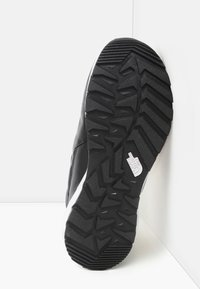 The North Face - W THERMOBALL PROGRESSIVE ZIP - Winter boots - tnf black/tnf white - 4