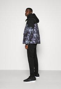 Calvin Klein Jeans - CLOUD PUFFER - Winter jacket - black - 3