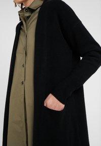 pure cashmere - LONG CARDIGAN - Vest - black - 4