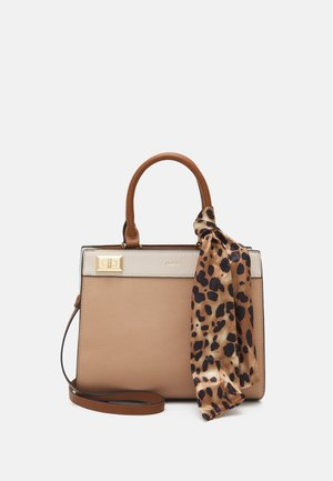 CERANNA - Handbag - nude/light gold-coloured