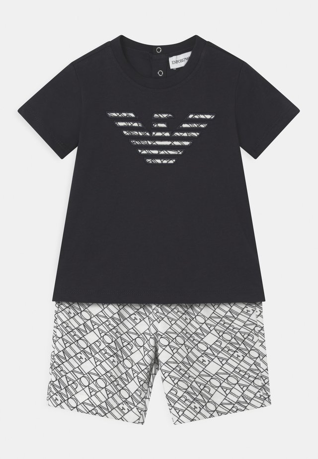 SET UNISEX - Shorts - black/white