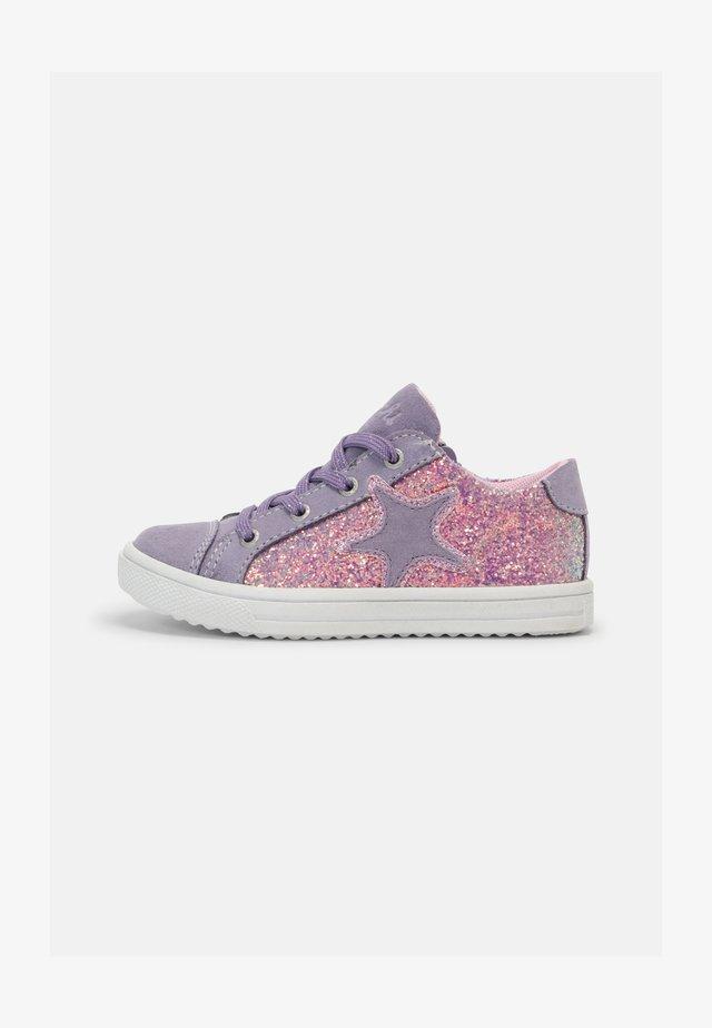 SINJA - Sneakers laag - lilac