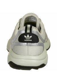 adidas Originals - HAIWEE - Sneakers laag - metal grey - 3