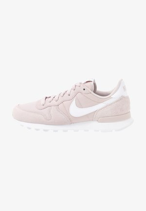 INTERNATIONALIST - Trainers - platinum violet/white
