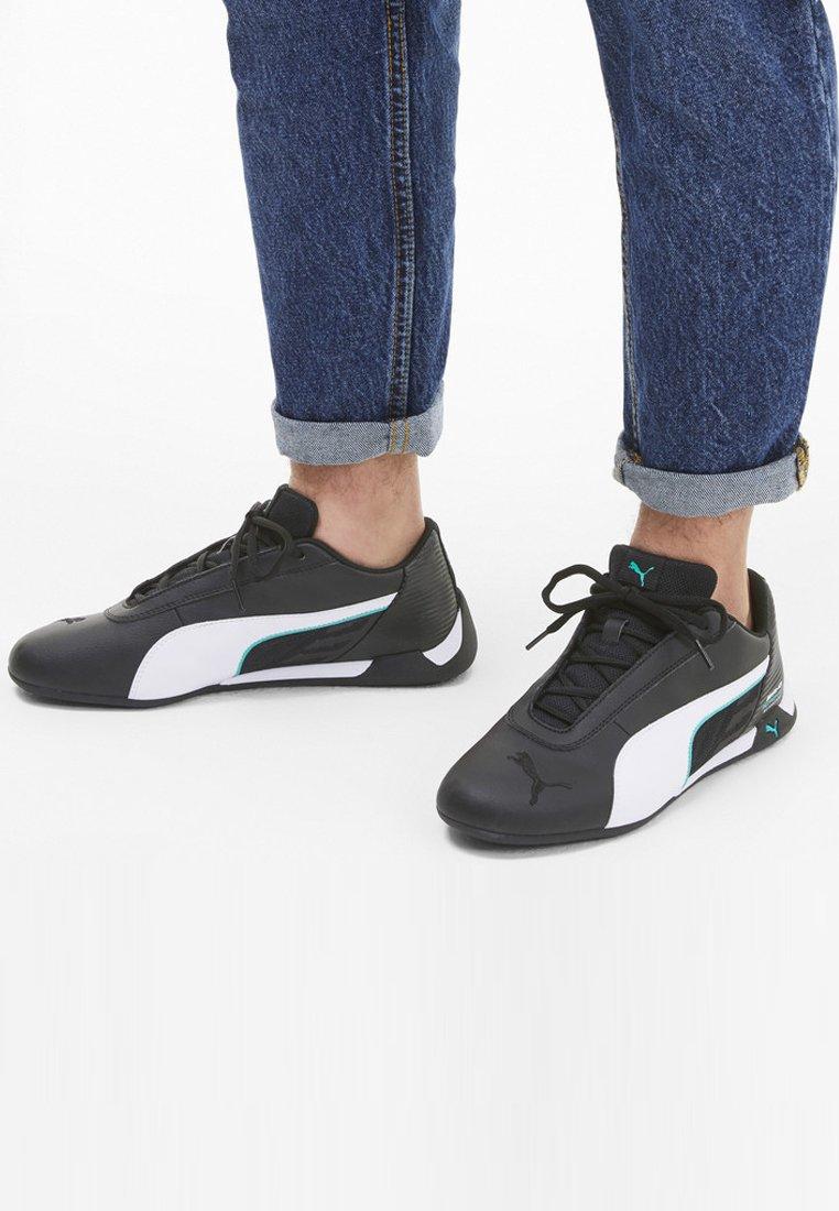 Puma - R-CAT TRAINERS MAND - Sneakers - black-white