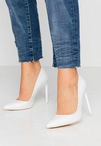 Even&Odd - LEATHER PUMP - High heels - white - 0