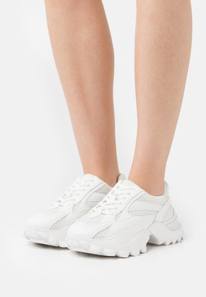 CURVED TREKKING SOLE TRAINERS - Baskets basses - snow white