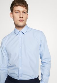 HUGO - ELISHA - Formal shirt - light/pastel blue - 3