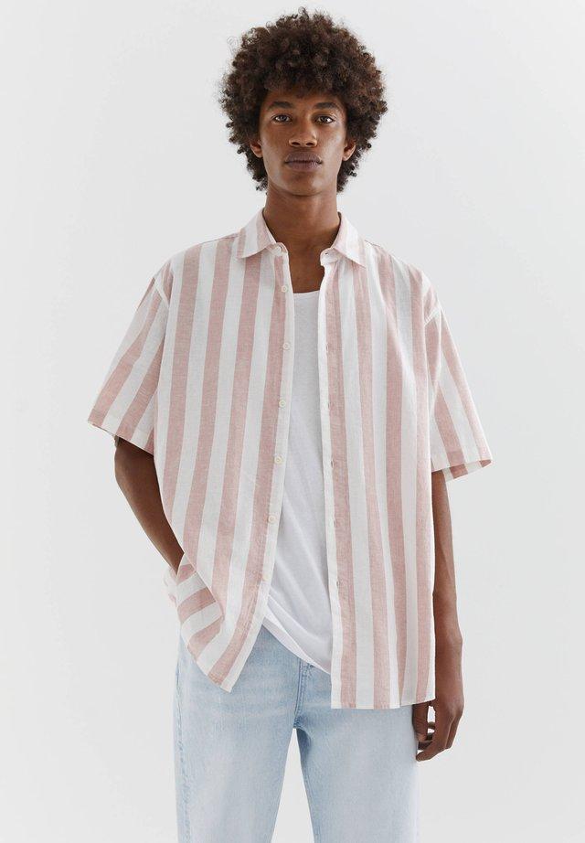 MIT STREIFEN - Camicia - pink
