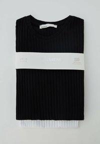 PULL&BEAR - 2 PACK - T-Shirt basic - black - 4