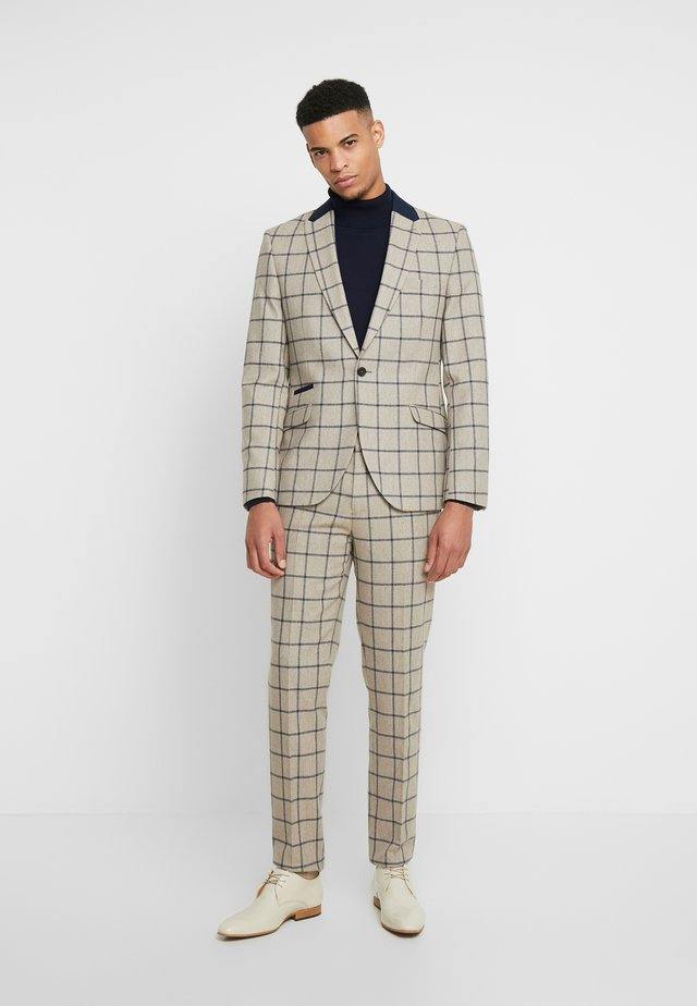 NESTON SUIT - Puku - sand