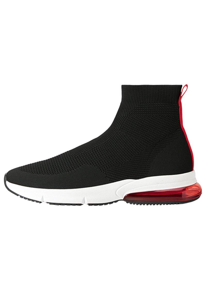 Bershka - MIT ELASTISCHEM SCHAFT - Sneakers high - black
