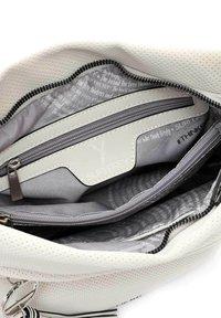 SURI FREY - HOLLY - Handbag - ecru - 5