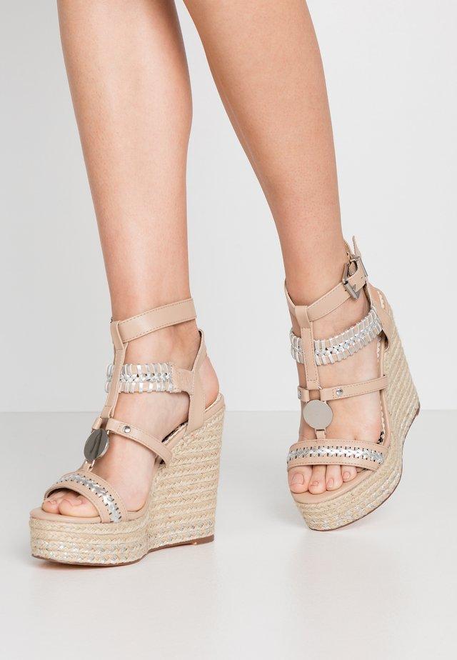 Sandály na vysokém podpatku - light pink