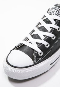 Converse - CHUCK TAYLOR ALL STAR OX - Trainers - black - 5