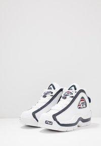 Fila - GRANT HILL 2 - Sneakersy wysokie - white/navy/red - 2