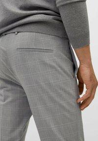 Mango - Chino kalhoty - mittelgrau - 4