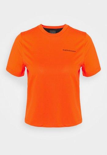 ALUM LIGHT SHORT SLEEVE - Camiseta estampada - super nova