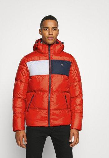 COLORBLOCK PADDED JACKET - Winter jacket - deep crimson