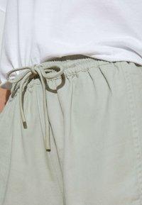 OYSHO - Shorts - light green - 3