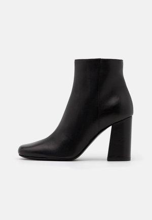 TRONCHETTO - Boots à talons - nero