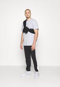 Pier One - Teplákové kalhoty - mottled light grey - 1