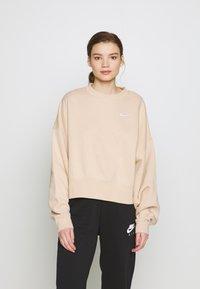 Nike Sportswear - CREW TREND - Sweatshirt - shimmer/white - 0