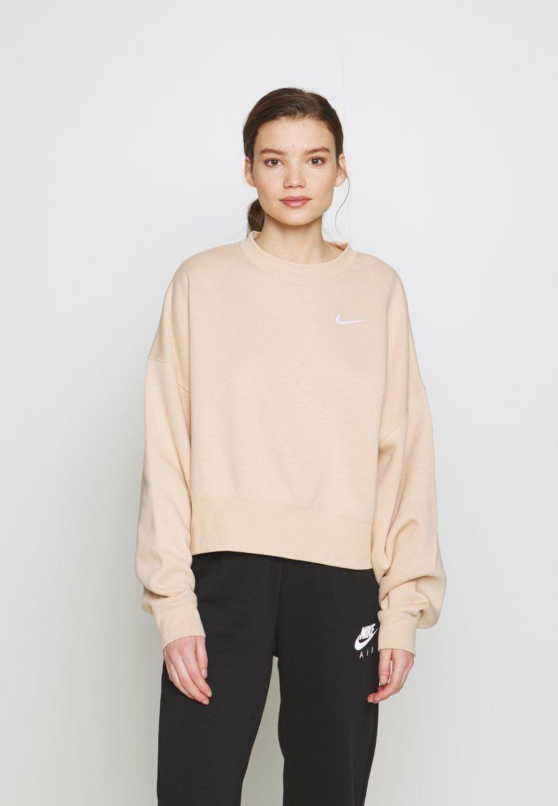 Nike Sportswear - CREW TREND - Sweatshirt - shimmer/white