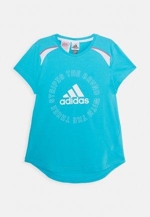 BOLD TEE - T-shirt z nadrukiem - cyan/white