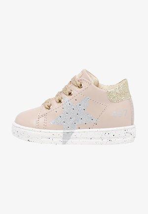 SALAZAR - Baby shoes - rosa